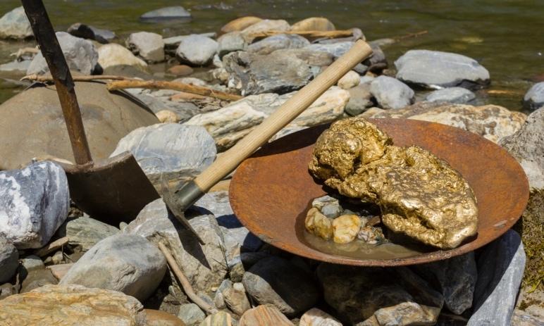 Zlatá horečka: Investice do akcií těžařů zlata - Seznam zajímavých titulů